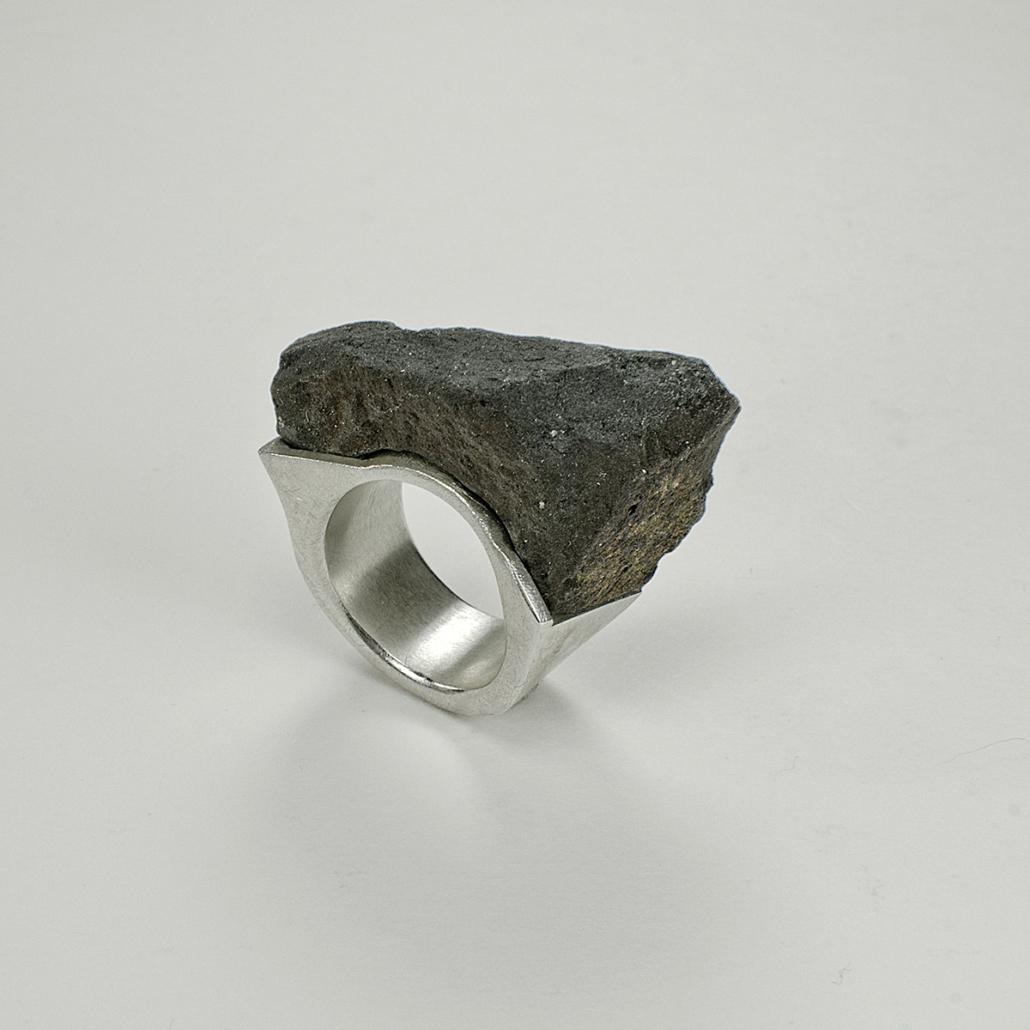 Basalt Ring - geometrisches Spiel