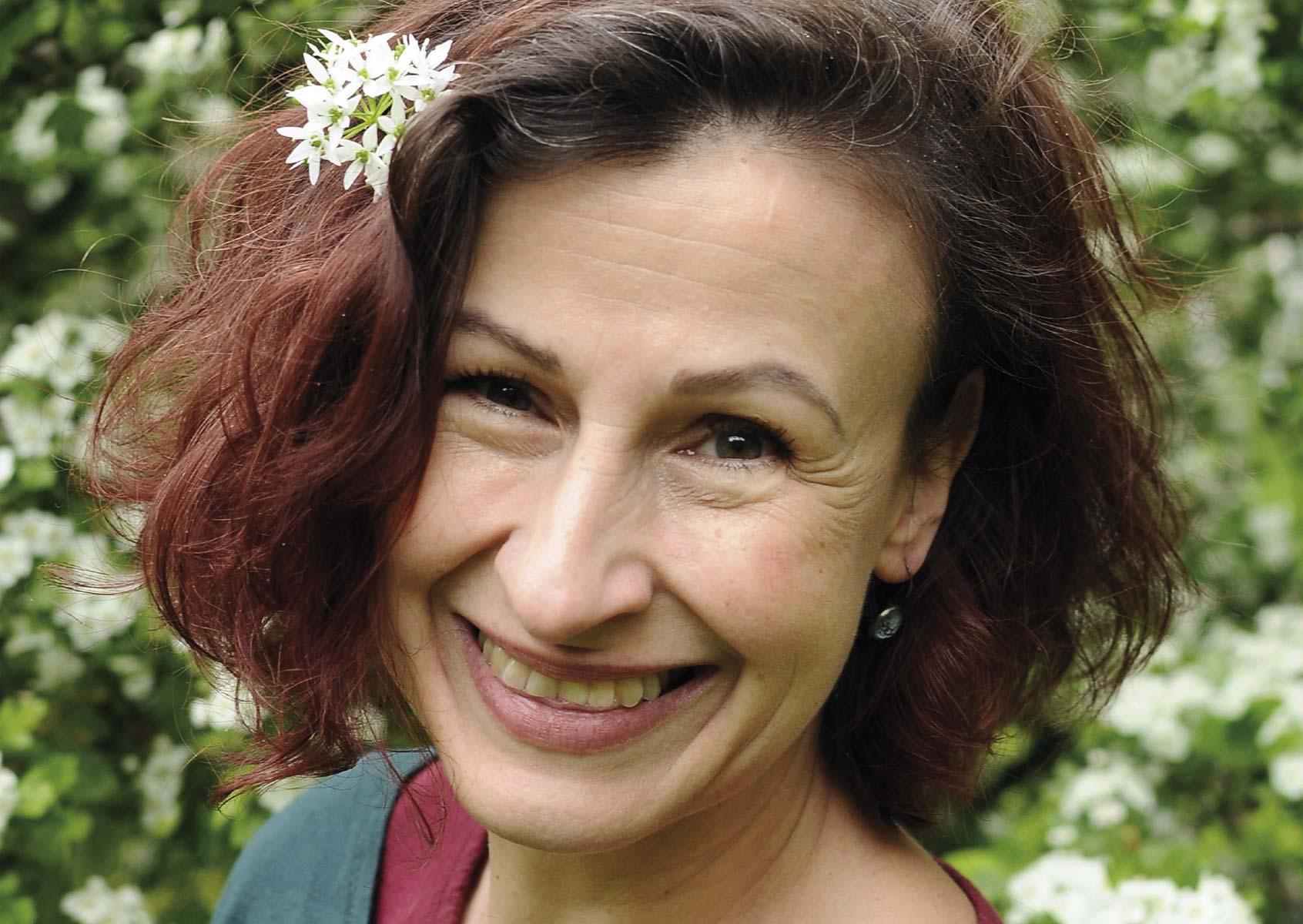 Porträt Kräuterfrau Tanja Adam